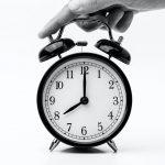 Laikrodžio persukimas: už ar prieš?